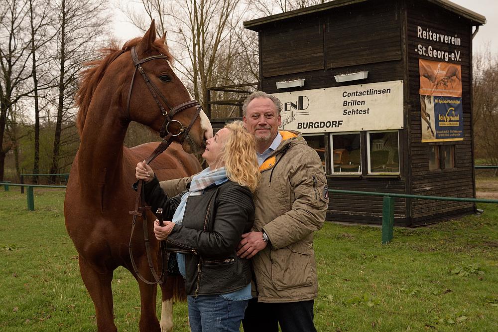 Bürgermeisterkandidat Dirk Schwerdtfeger mit seiner Frau